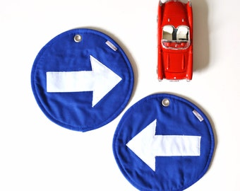 blue traffic sign pair of fun potholders - one way traffic potholders - blue and white fun potholders - arrow traffic sign - foodie gift