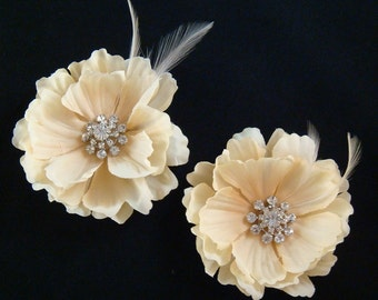 Champagne Bridal Flowers with feathers and rhinestones / set of 2 hair flowers / wedding champagne feather flower