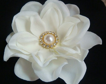 Bridal Ivory Flower Hair Clip with GOLD Pearl and Rhinestone Centerpiece / gold wedding flower