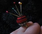 Adorable felt pincushion ring! Both fashionable and functional!