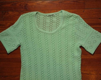 women's vintage mint green top.