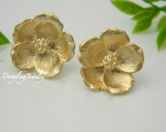 Gift for Her, Magnolia Stud Earrings, Flower Earrings, GOLD Post Earrings, Bridesmaid Jewelry, Bridesmaid Gift, Wedding Jewelry