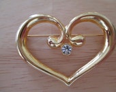 VINTAGE COSTUME JEWELRY  / heart brooch  / clearing out sale