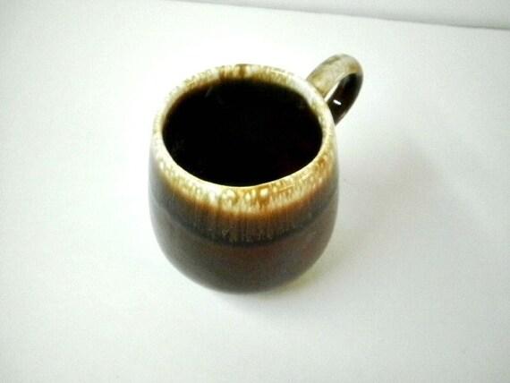Vintage usa pottery mugs