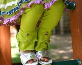 chartruse green scalloped bottom knit leggings sizes 12m - 14 girls