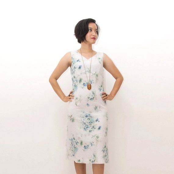 ON SALE/Vintage 90s Dress/90s A-line Dress/Sleeveless Dress, Off White, Light Blue Floral Print, Small / Medium