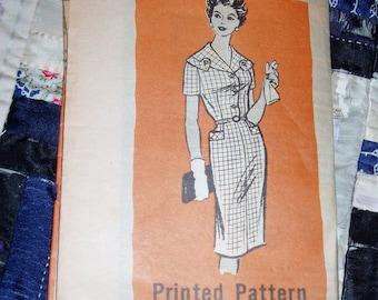 "Vintage Mail Order  Pattern 9032, Misses House Dress, Size 14 1/2, Bust 35"", Waist 29"" and Hip 39"""