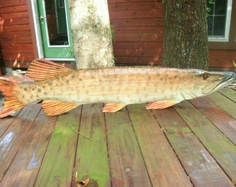 "Muskie carving 40"" chainsaw wooden sculpture indoor/outdoor decoration freshwater fishing Musky country living lake lodge decor art"