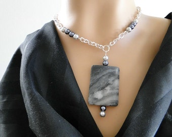 Set 35 Necklace and Earrings Grey Variegated Stone