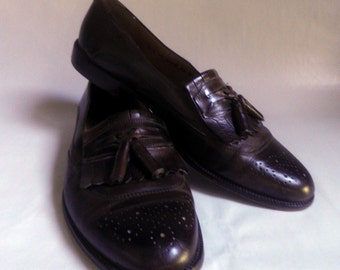Men's Italian LEATHER dress shoes, Wing Tip with Kittie and Tassels, Brown, Size 12 N