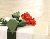 Gift Box, shabby chic, winter white linen, ivory, red, moss green