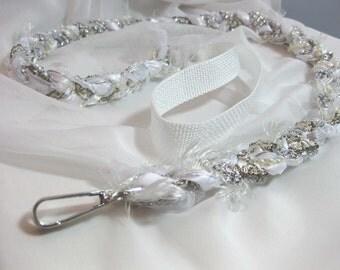 Leash - Fancy Shmancy in White