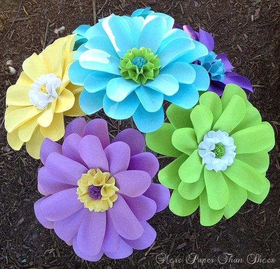 Paper Flowers - Birthday Decorations - Wedding Decorations - Table Decor - X-Large - Daisy - Made to Order - Set of 12