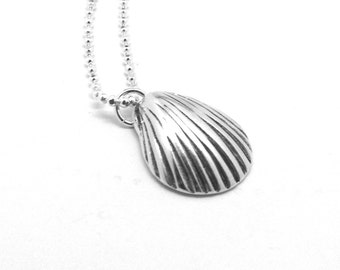 Seashell Necklace, Shell Necklace, Seashell Jewelry, Seashell Pendant, Charm Necklace, Sterling Silver Jewelry