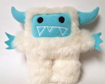 Furry monster yeti : Yetal with the plush yeti