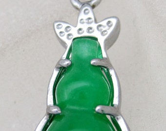 Green Stone Pendant In the Form Of A Gourd Silver Tone Metal Frame Bead 26mm x 12mm  2150