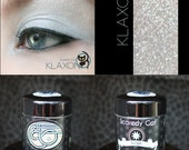 Birght Silver Mineral Eye Shadow  Scaredy Cat - Klaxon - 5 mL Sifter