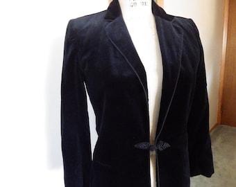 Stunning vintage velvet fitted women's jacket 1940s/50s gorgeous!!!
