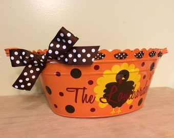 Personalized Thanksgiving scalloped oval metal bucket, tub, orange, Cute turkey & family name, table centerpiece or hostess gift