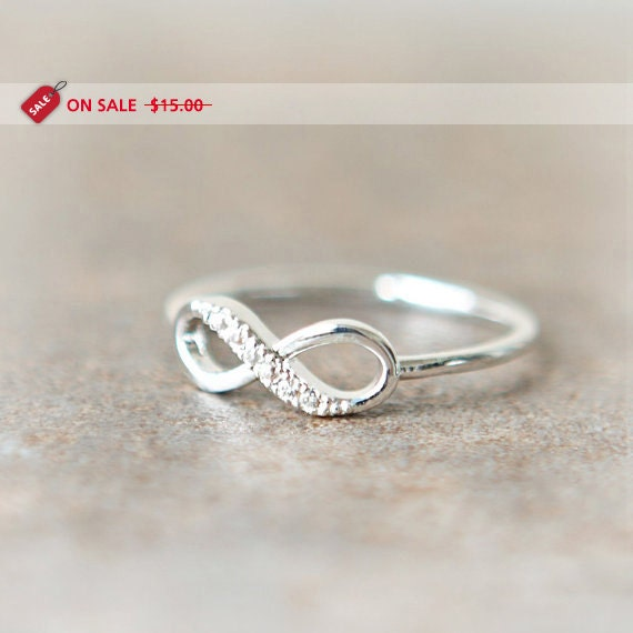 ON SALE - Infinity Ring in silver