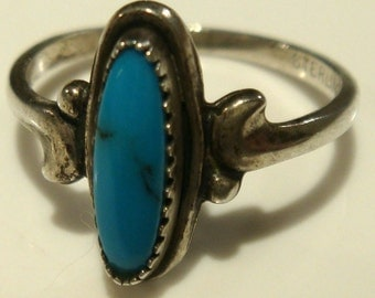 Bisbee Turquoise Ring Hand Made Zuni Petit Point Stone Ring- Vintage 60s Native American Silver Jewelry