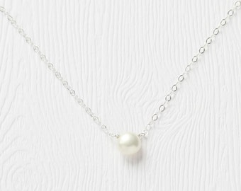 Small button pearl necklace in silver, bridal