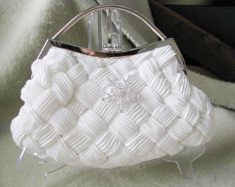 Wedding White Bridal Wedding Bag Clutch Formal Wear with Snowflake Rhinestone Brooch Bridal wedding clutch evening bag