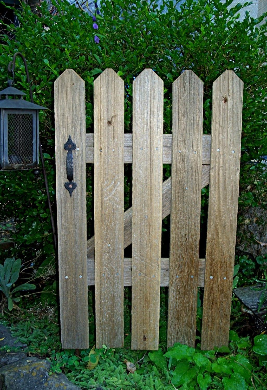 Rustic Cedar Picket Fence Gate Accent Panel Garden Decor