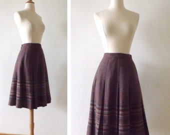 "1970s Wool Skirt / Vintage 1970s Pleated Skirt / Made in Scotland / 26"" Waist"