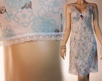 NWT unworn vintage - Naturana soft semi sheer floral patterned Enka Comfort lace trimmed 70's vintage full slip petticoat unterkleid - 2504
