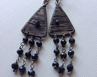 Silver woven earrings with black spinel beads - wirewrapped.earrings
