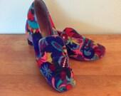 Vintage 1960s Psychedelic Velvet Loafers Size 8