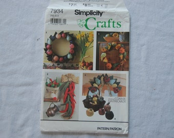 Vintage Ornamental Stuffed Fruit, Gourds, and Chili Peppers by Simplicity Crafts 7934