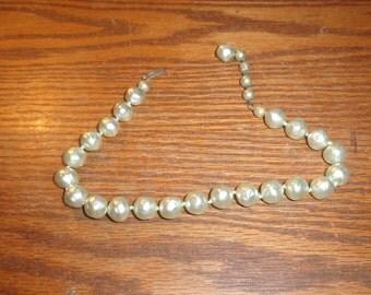 vintage necklace choker blue lucite