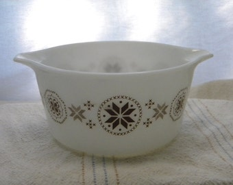 Pyrex Town and Country Quilt Pattern Bowl, collectible Pyrex