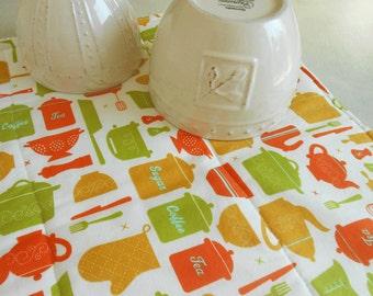 Dish Mat /  Kitchen Dish Drying Mat /  DishMat in Kitchen Tool Print
