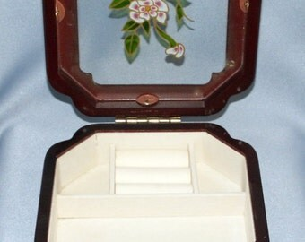 Very Cute Vintage Flower Jewelry Box