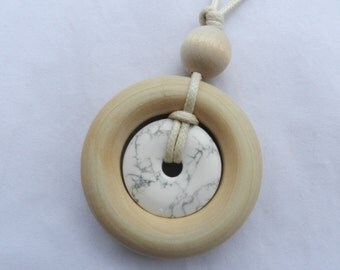 Nursing Necklace Teething Necklace - Wood Ring and Stone Pendant