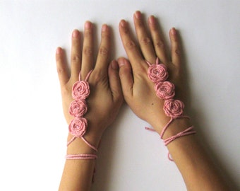 Crochet Bridal Cuffs Peach Flower Fingerless Mittens Wedding Cuffs Bride Hand Jewelry Sexy Wrist Cuffs Floral Peach Rose Hand Jewelry SC0007