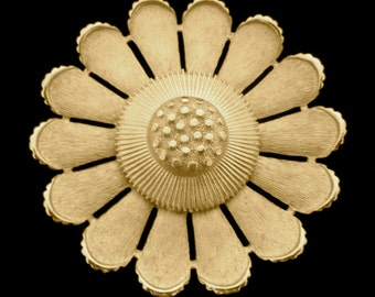 Vintage Sarah Coventry Gold Daisy Flower Brooch