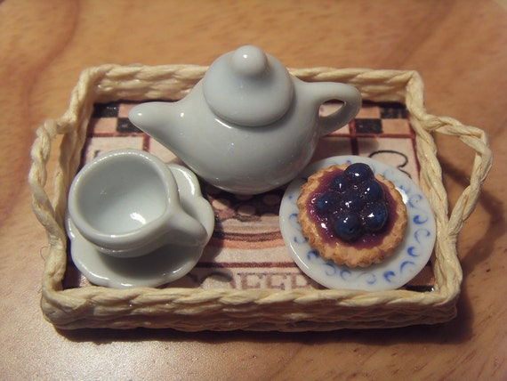 Coffee straw tray, Mediterranean style - miniature 1:12 scale for dollhouses -