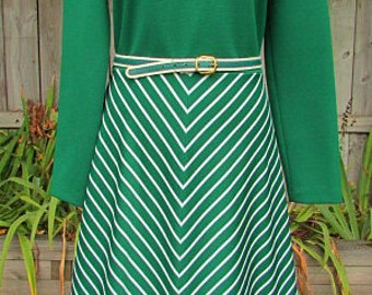 vintage 70s green chevron stripe dress b38 swingy secretary disco