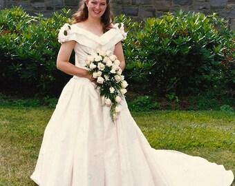 Wedding Dress Designer Christian Dior Gown Sz M 6 8 w/ Roses Rose Buds Roses in Blush White