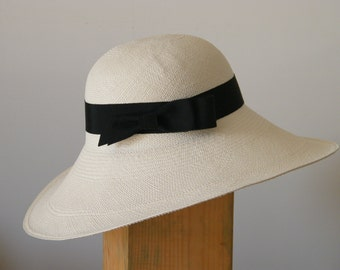 ladies sun hat/ wide brim sun hat / ivory straw hat / white Panama hat for women/  summer hat for large head UK/ Audrey hat/ white beach hat