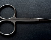 Wide Bow Scissors by Merchant & Mills