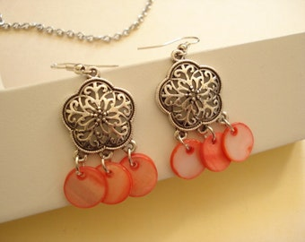 Filigree with Shell Drop Earring Antiqued Pewter DE-425