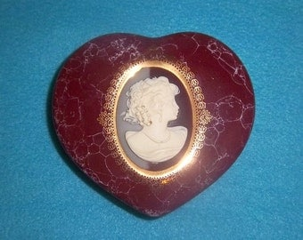 Mount Clemens Victorian Cameo Heart Trinket Jewelry Box