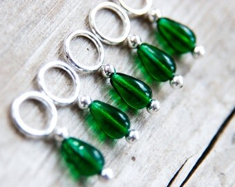 Green Stitch Markers // Knitting Markers // Snag Free // Glass Teardrop // Snag Free // Set of 5