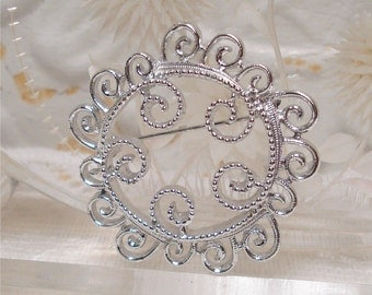 Sarah Coventry Scroll Brooch