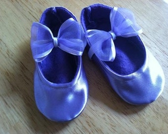 Lavender crib shoes